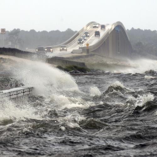 اعصار جديد يهدد امريكا (ارما) DJTgRk5WsAAyBfQ