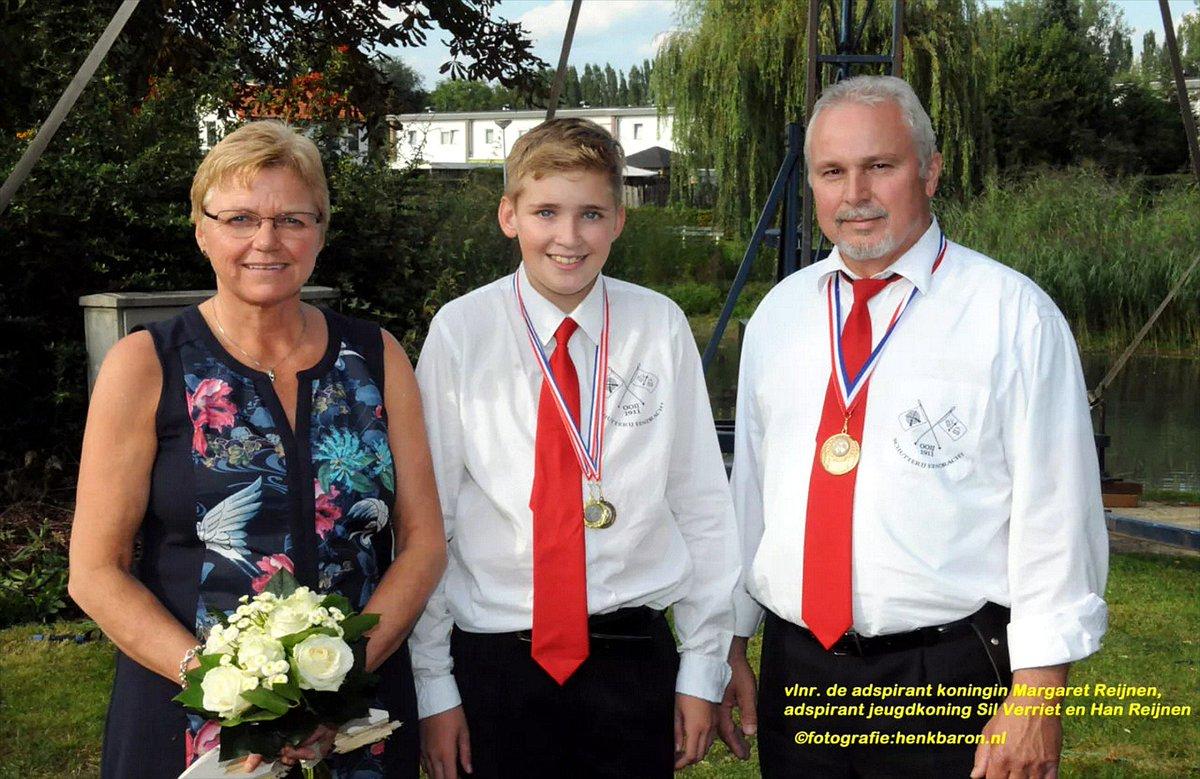 Margaret Reijnen nieuwe #schutterskoningin van #EendrachtOoij http://www.huubkroniek.nl/kring-rijk-van-nijmegen-de-betuwe/771-margaret-reijnen-nieuwe-schutterskoningin-van-eendracht-ooij… #Schutterij #Eendracht #Ooij