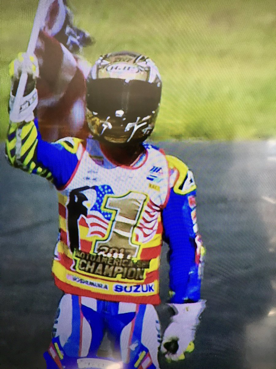 2017 @MotoAmerica1 Superbike Champion @ToniElias24 carries #American flag on victory lap @NJMP. https://t.co/yZwbqJdDJJ