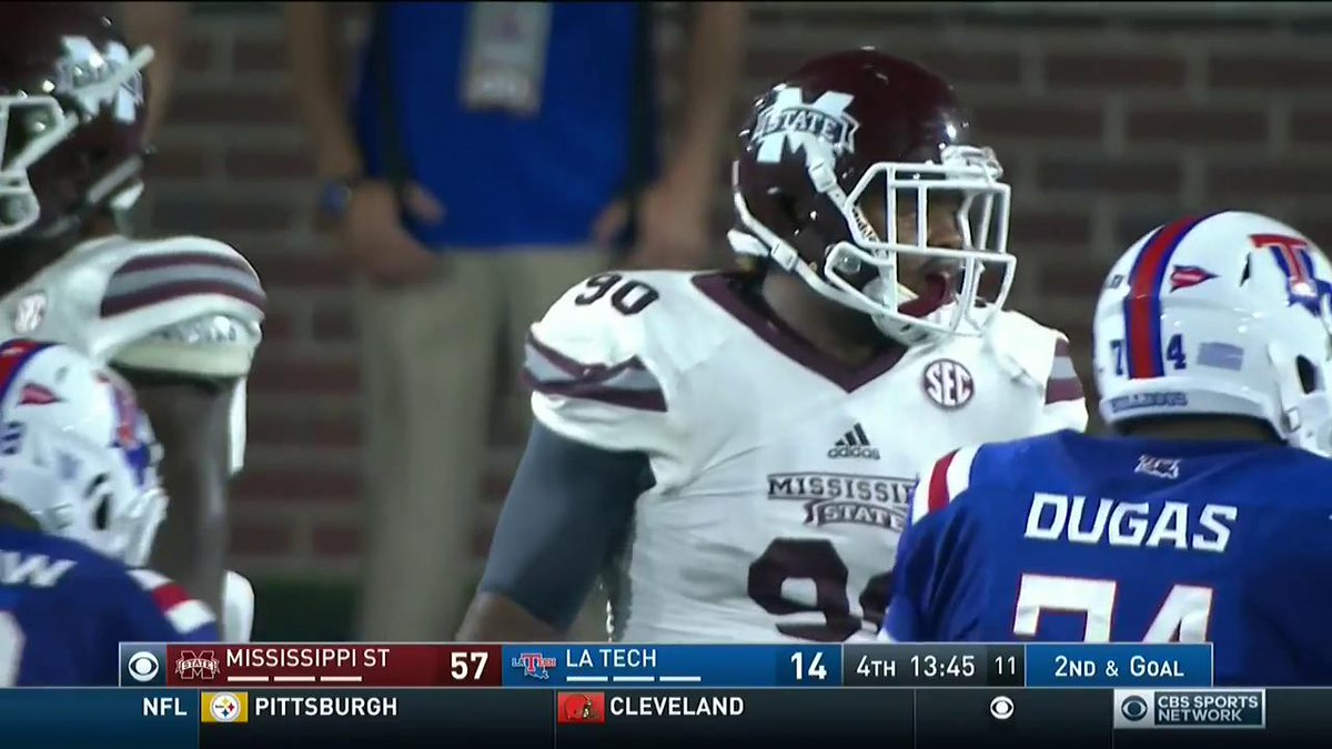 This play brought up a 3rd and 93 for La. Tech. Really https://t.co/62QKndkE04