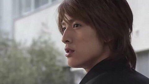 学ラン姿で横顔の元関ジャニ∞の内博貴