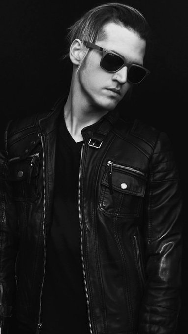Happy bday Mikey Way! We love you so much!