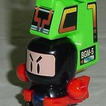 最初はボンバーマンから始まり、だんだん変化していって最終的にはロボット的になったビーダマン。懐かしい…