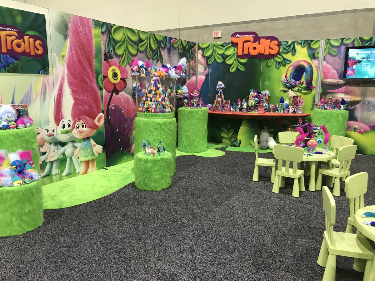 Play with the latest #Trolls product at #HASCON! #DreamWorksTrolls