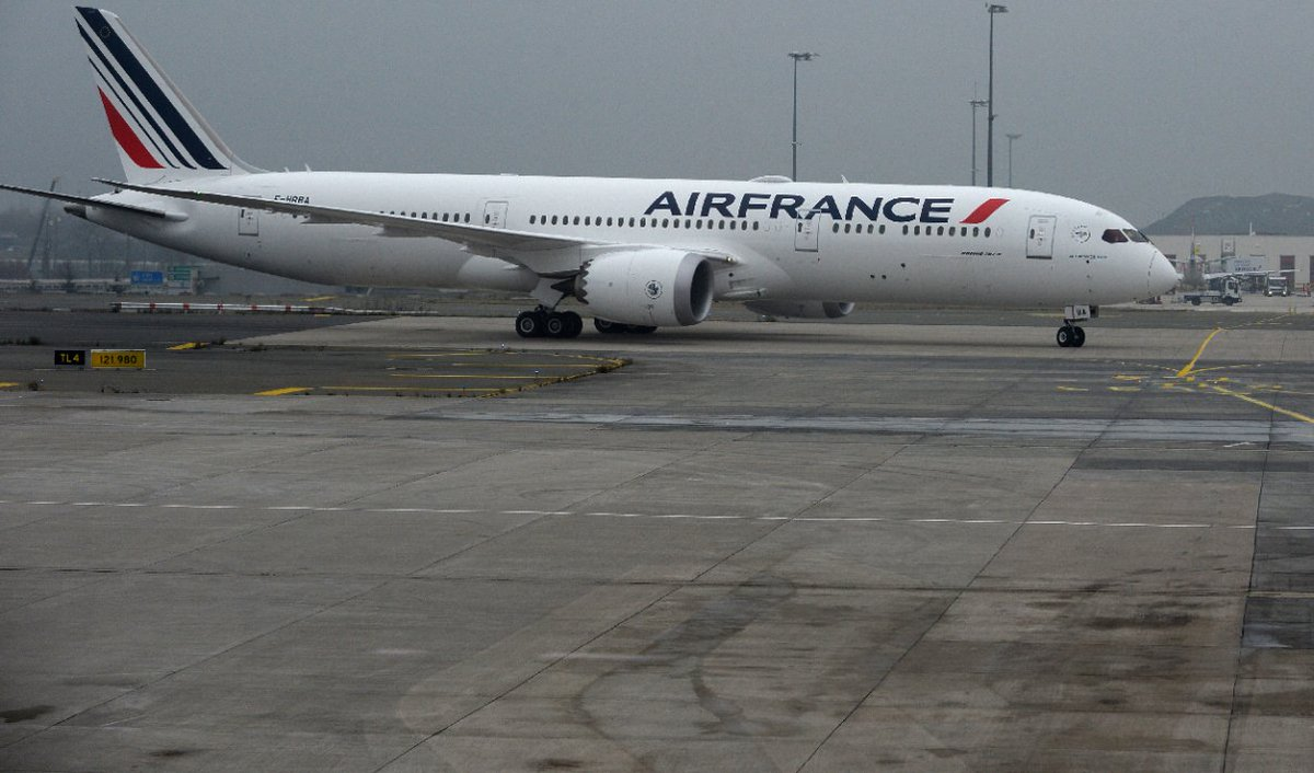 Ouragan Irma: Air France met en place un tarif spécial 'rapatriement' https://t.co/Mhfwk0IpJn