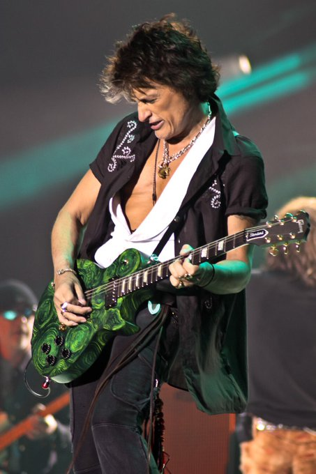 Happy birthday Joe Perry!!!!