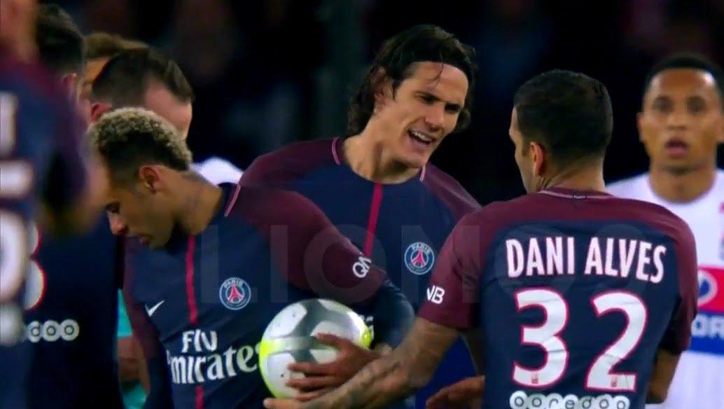 cavani loses penalty after disagreeing with neymar    https:// youtu.be/vwMr-s7LweA  &nbsp;    #neymar #cavani #ligue1 #psglyon #danialves #neymarjr<br>http://pic.twitter.com/5qkcWtEtrz