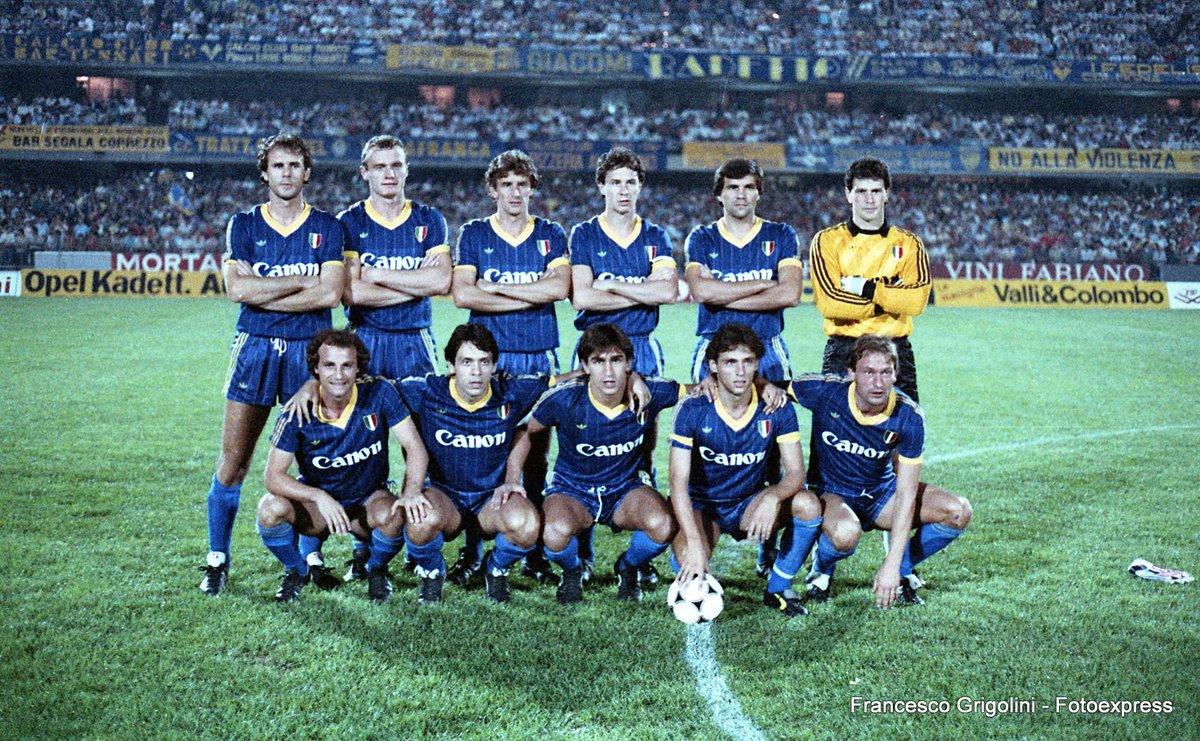 """Hellas Verona FC en Twitter: """"📅18 settembre 1985 🏟️Bentegodi ⚽Verona-PAOK Salonicco 32 anni fa l'esordio dei gialloblù in @ChampionsLeague! #AccaddeOggi… https://t.co/l3Vr0Ch0UF"""""""