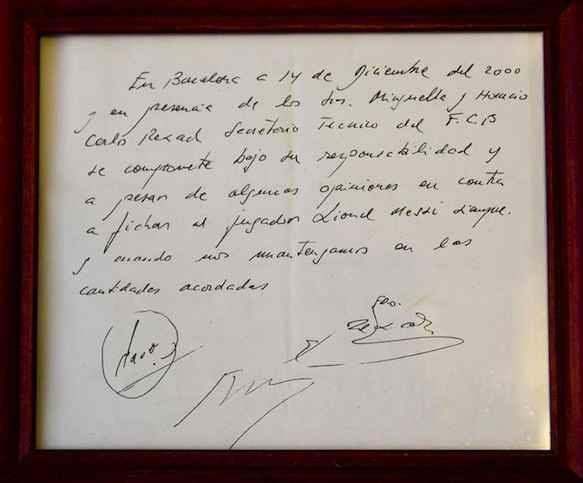 Il y a 17 ans, Lionel Messi signait son premier contrat avec le FC Barcelone...