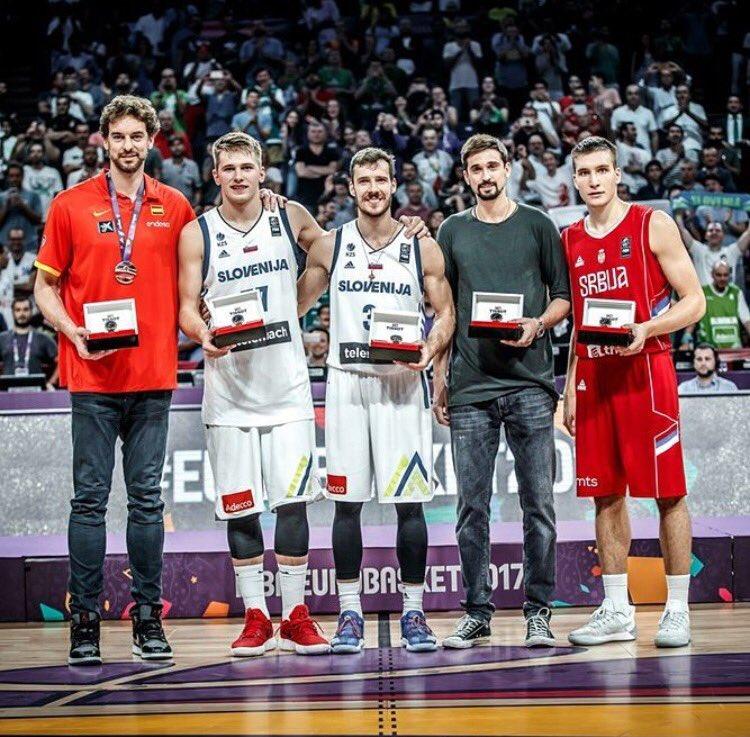 🙌🏼 #Eurobasket2017 👏🏼  Todo reconocimiento es siempre gracias a mi equipo! Every award is always thanks to my team!