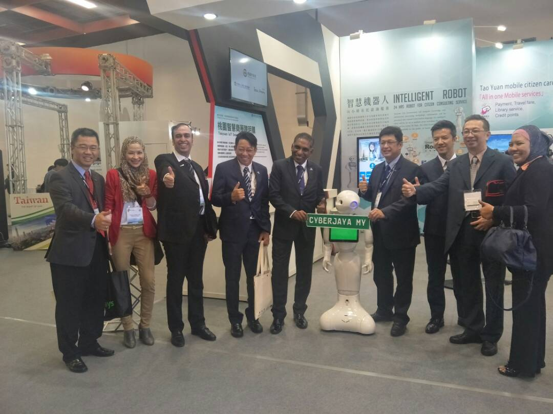 Malaysian delegates are in #WCIT 2017 and #ASOCIO ICT Summit 2017, AP&#39;s biggest annual IT event,  now until 15/9 in Taipei, Taiwan<br>http://pic.twitter.com/GSF8J4hXM0