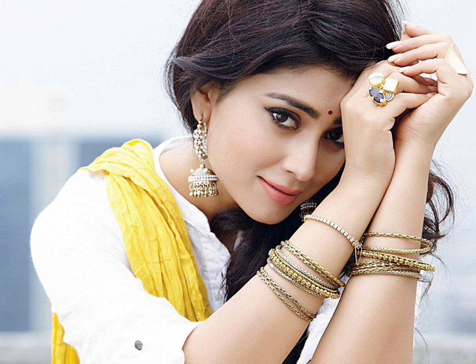 Happy Birthday to Shriya Saran...!!!