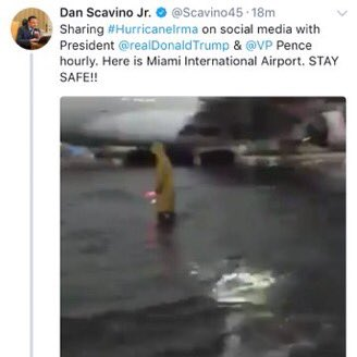 Pendant ce temps, la Maison Blanche tweete sans faiblir des fake news via @mattmfm #hurrican
