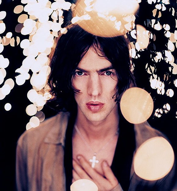 Happy birthday to Richard Ashcroft of The Verve who turns 46 today!