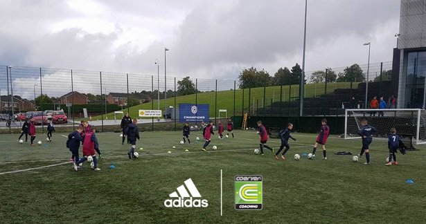 NEW PARTNER CLUB @ThornAthAFC KICKS OFF IN RENFREWSHIRE. 116 players born 2004 to 2011 took part in Team Training yesterday #neverfollow <br>http://pic.twitter.com/AgVDIXWCdz