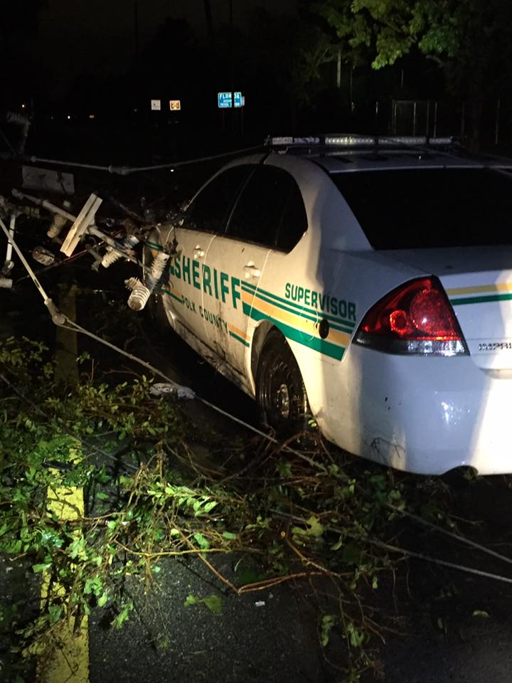 Live wires fall on patrol car, trapping PCSO deputy, paramedic for 2 hours https://t.co/3O8hxAUusB