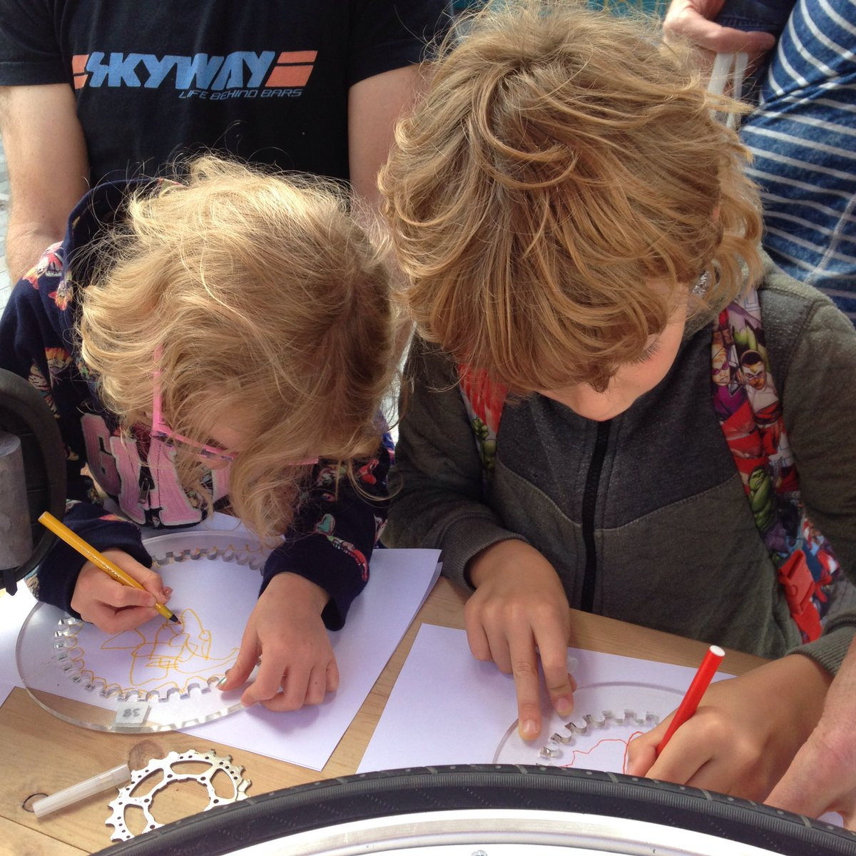 Doodling fun with my Bicycle Drawing Machines for @BritSciAssoc @BritishSciFest #BSF17 on Saturday&#39;s &#39;Sci Street&#39; #GiantDrawingMachines<br>http://pic.twitter.com/RTD9GjEizG &ndash; at Theatre Royal