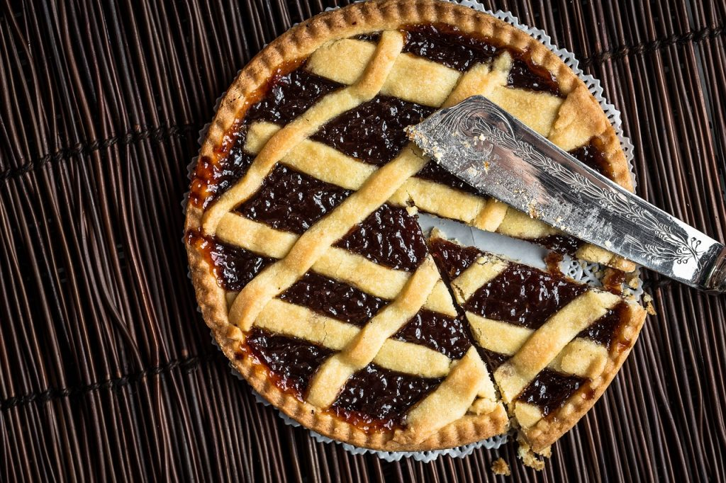 Cranberry Crumble Tart recipe that requires some work but is well worth it  https:// goo.gl/uDFTYb  &nbsp;    #recipe #recipes #baking #pie #homemade <br>http://pic.twitter.com/icfgb6jPKn