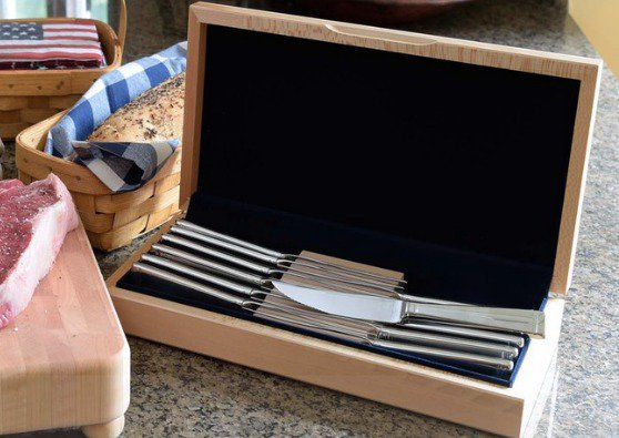 Giveaway: #MadeinUSA Deluxe Steak Knife Set From #LibertyTabletop  http://bit.ly/2gRsP3Z  #giveaway #win #steakpic.twitter.com/wW9gi44Udy pic.twitter.com/qEyFxg47Lr