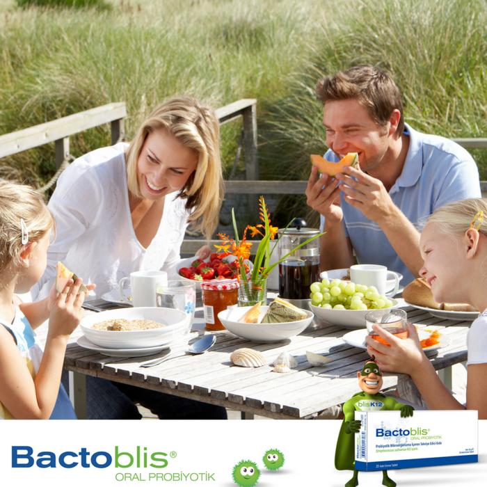 family eating breakfast - 850×469