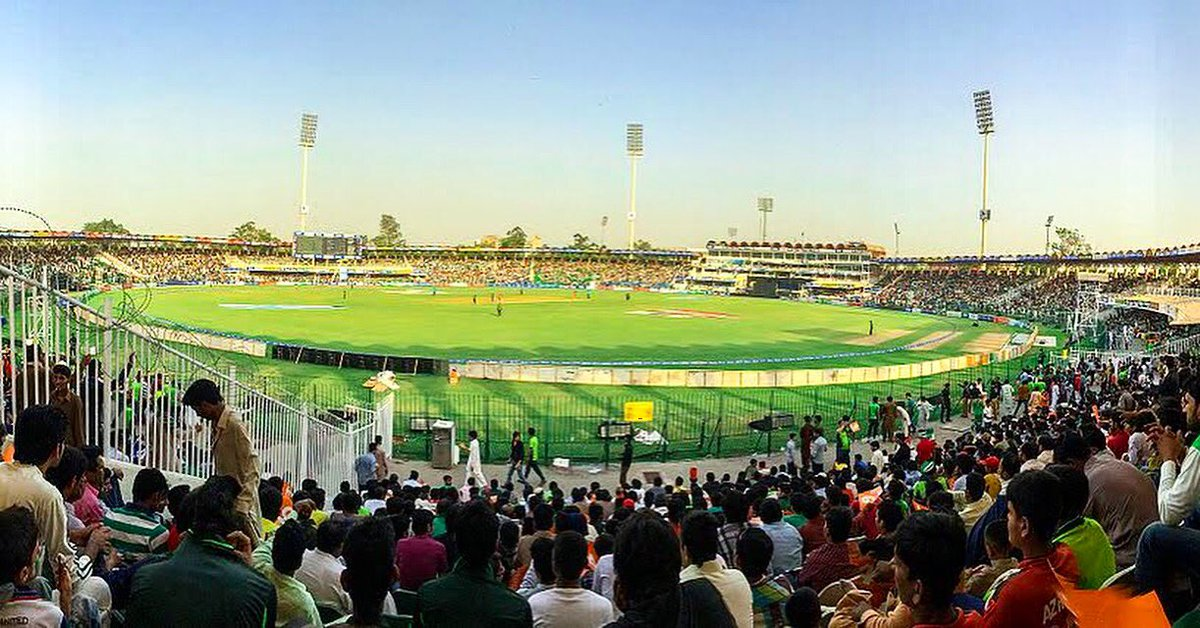 This pitch.. theze fans.. this feeling.. cricket is back home &amp; I can&#39;t describe the happiness.. waiting 4 #CricektKiHalalala so much <br>http://pic.twitter.com/kAvRrKn9Yj