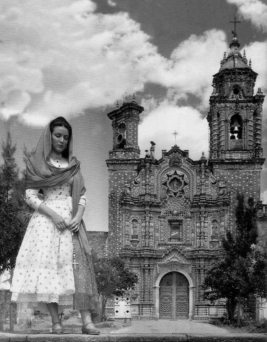 """El templo de San Francisco Acatepec en la película """"Enamorada""""."""