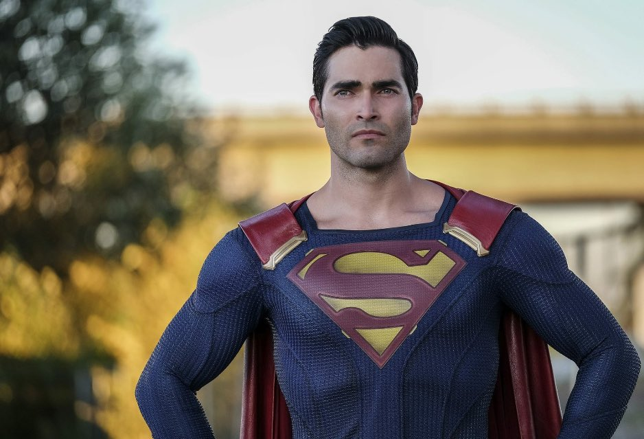Let\s wish a very happy birthday to Tyler Hoechlin who plays on