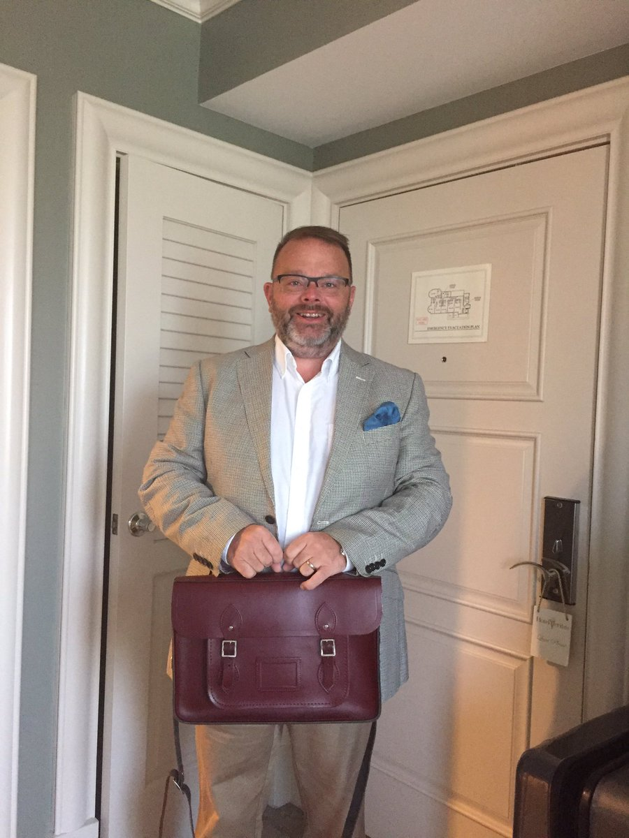 Obligatory first day photograph at school.  Proud to be attending Harvard this year for a course on fundraising @LGBTfdn #EqualityWins <br>http://pic.twitter.com/RWkEggub9C