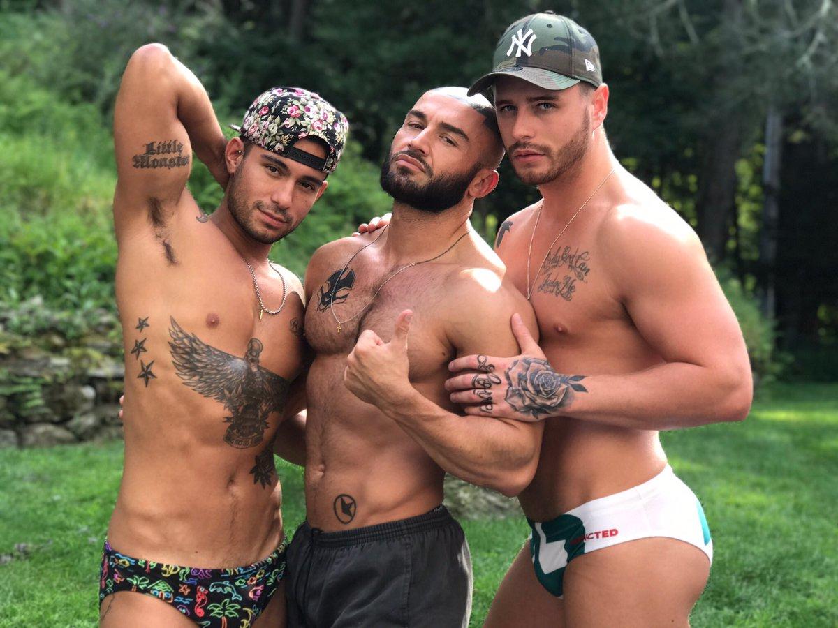 machos gays