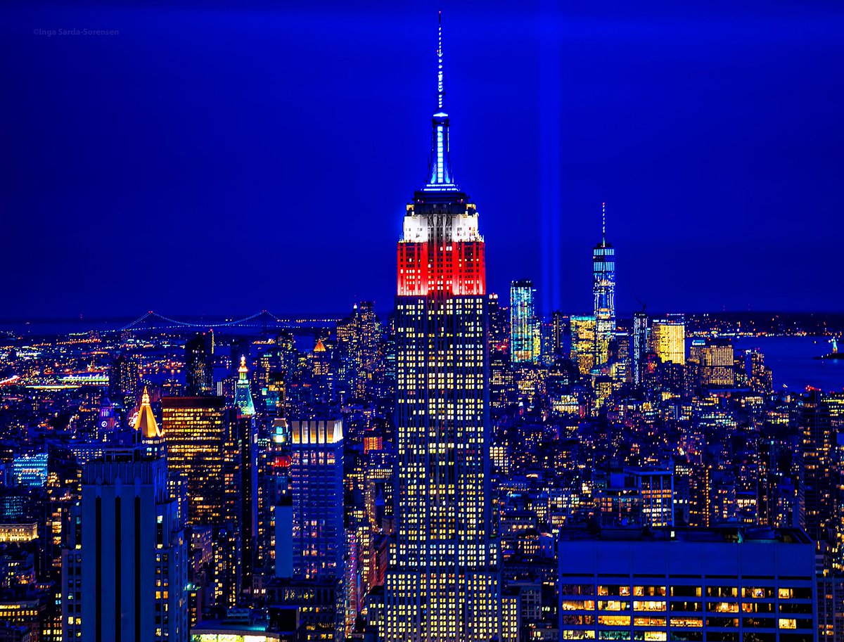 NYC skyline commemorates this 16th anniversary of 9/11. #NeverForget #NeverForget911 #TributeinLight #September11 #NYC<br>http://pic.twitter.com/PO7s3SBphz