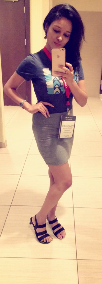 Today&#39;s look for #ConfabINT Day 1 Wearing a super awesome #confab tshirt teamed with heather grey pencil skirt!And hey, my special badge too <br>http://pic.twitter.com/eajT8vDGos