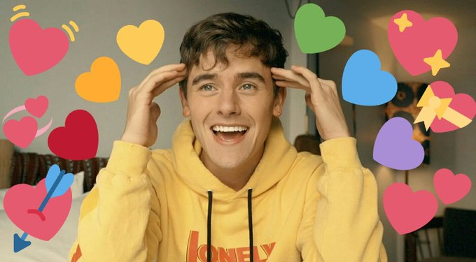 HAPPY BIRTHDAY ALSO TO CONNOR FRANTA BBY ILYSM AND ALWAYS BE THE AMAZING YOU U DESERVE THE WORLD ILY