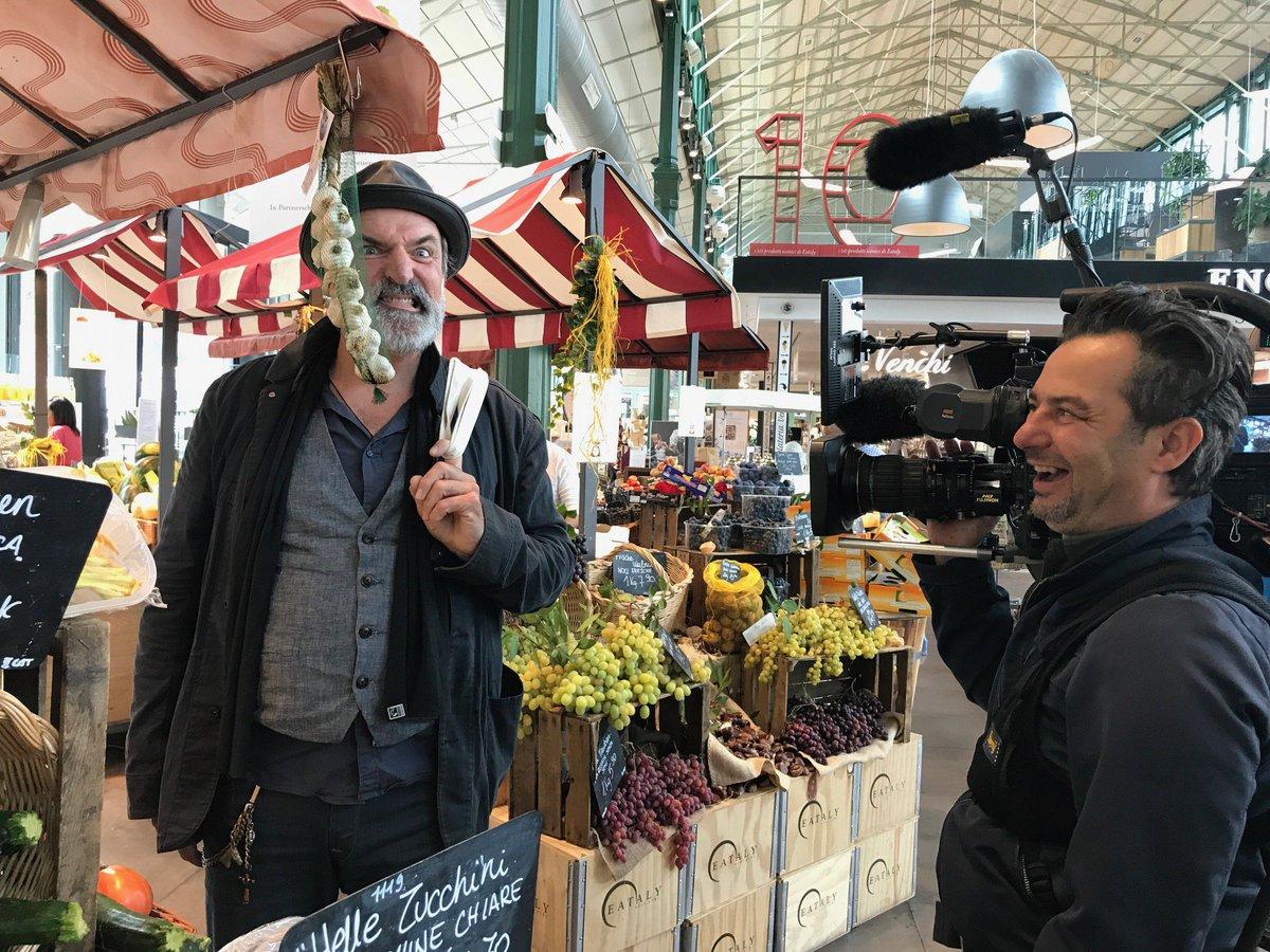 Mit einem #Berliner in #München #Italienisch einkaufen? Geht. Mit #AndreasHoppe. Ehemals #Tatort #Ludwigshafen. https://t.co/U3xNnVu8Aj