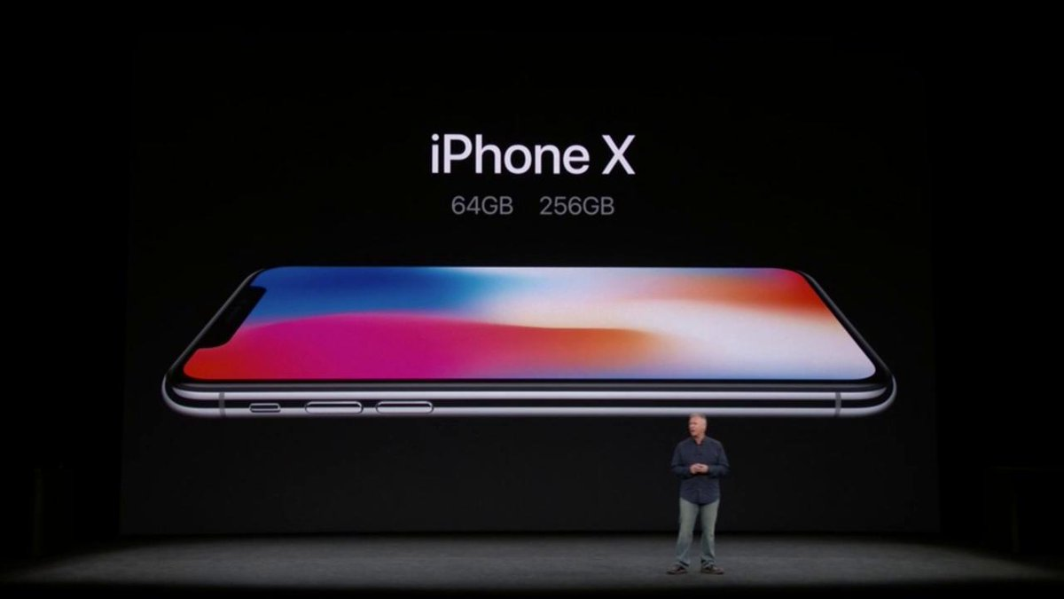 #iPhoneX DETAILS  Starts at $999 64 or 256 GB Pre-order: October 27th Available: November 3rd  #AppleEvent