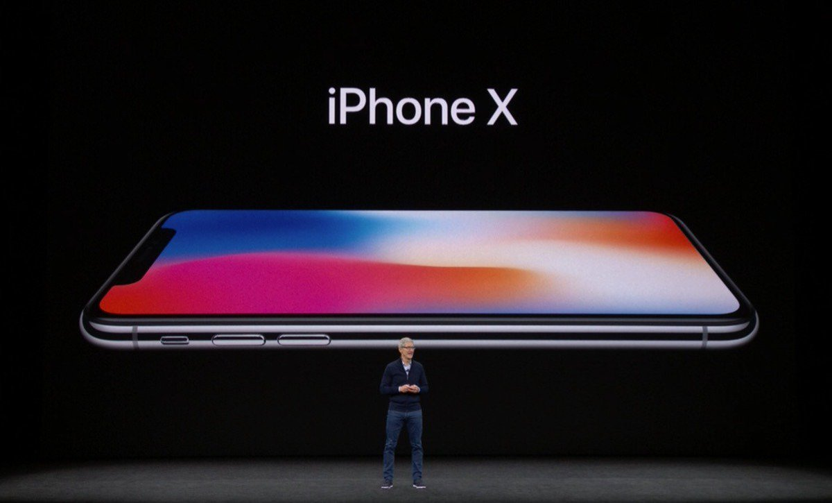 Apple debuts high-end $999 OLED Super Retina Display iPhone X with Face ID https://t.co/HSJFe5wDwZ