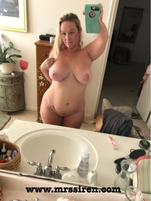 Good morning!! Happy #tittietuesday https://t.co/9GTdpXCAjX