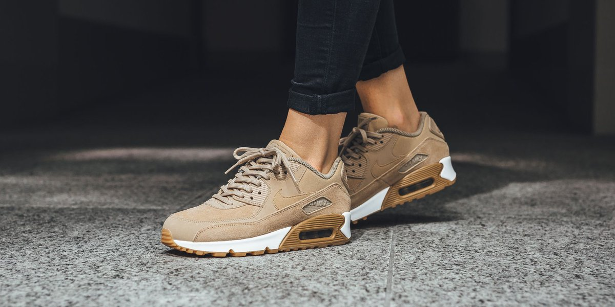 Nike – Wmns Air Max 90 Se Womens Shoes MushroomMushroom Gum Light Brown White