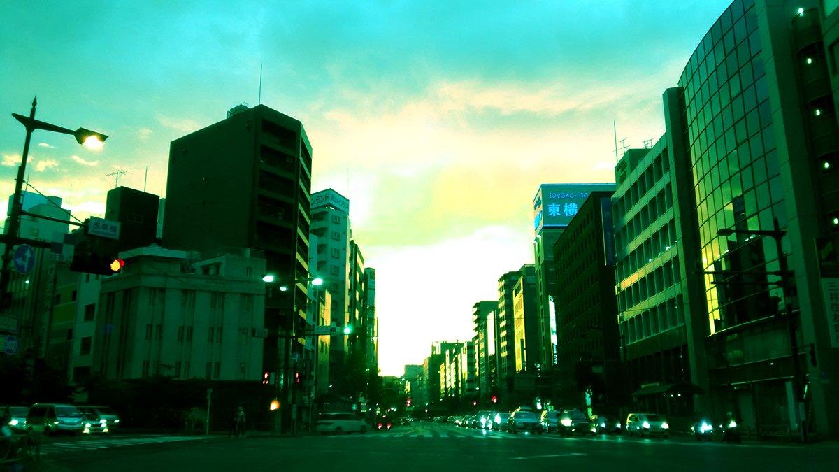【写真】夕暮れの浅草