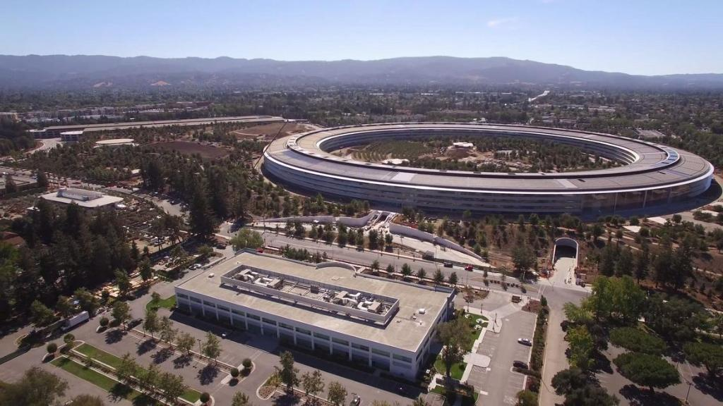 Steve Jobs' dying wish was to build an incredible new Apple campus, and it's almost done https://t.co/IPcEd1eLIa https://t.co/X8BNoELb6e