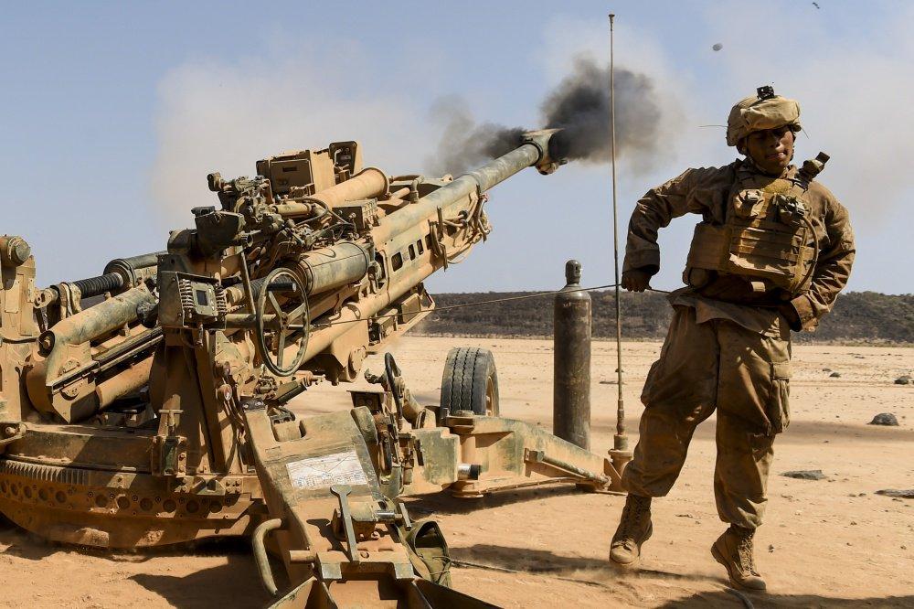 المدفع M777A2 الامريكي المقطور عيار 155 ملم  DJiRg3-VoAEEd4V