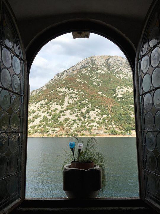 Looking montenegro