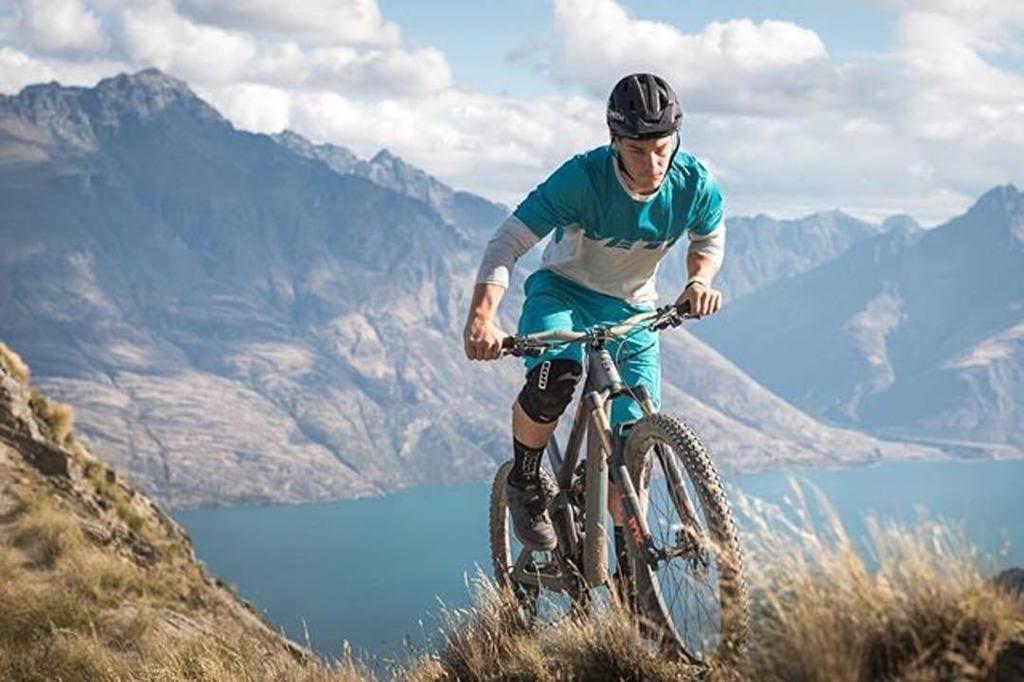 Featured on @yeticycles | Photo by @davetrumporephoto | Rider: @richie_rude1 . #mountainbike #mountainbiking #sant…  http:// ift.tt/2jmBvQF  &nbsp;  <br>http://pic.twitter.com/vFsB1447xm