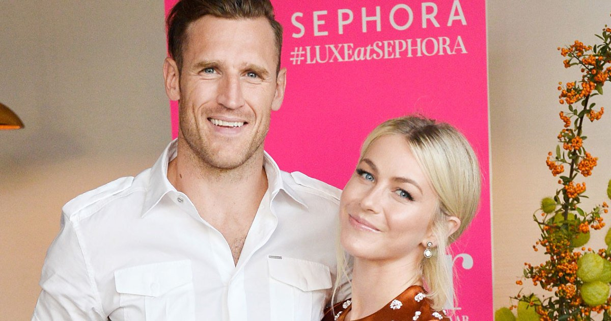 Is julianne hough dating now
