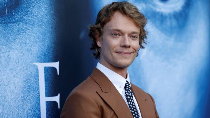 Happy Bday Alfie Allen! You portray Theon brilliantly and deserve so much recognition! Have a lovely day! XOXO