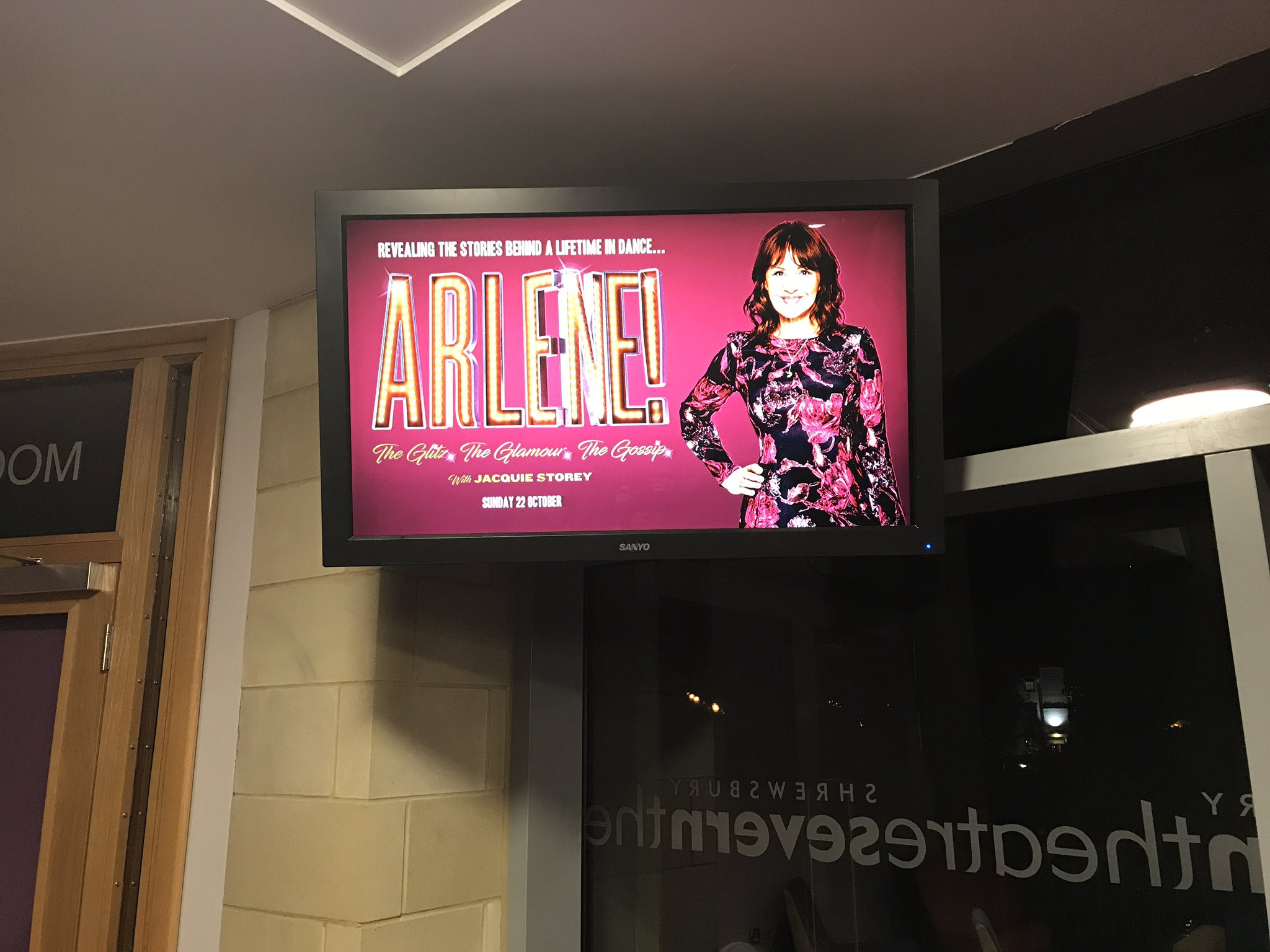 RT @CassiCompton: Ah, Hello @arlenephillips! 😘 #Shrewsbury #theatre #touring https://t.co/Wpz2XI78Wk
