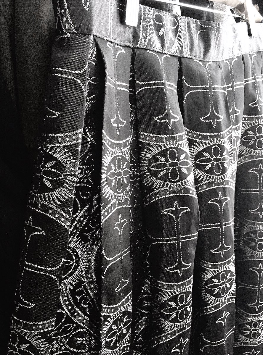 MechaThrift On Twitter FS Victorian Gothic Lolita Brocade Skirt Silver Medieval Pattern Black Satin Hits Top Of Ankle Stretches From 31 37in Waist