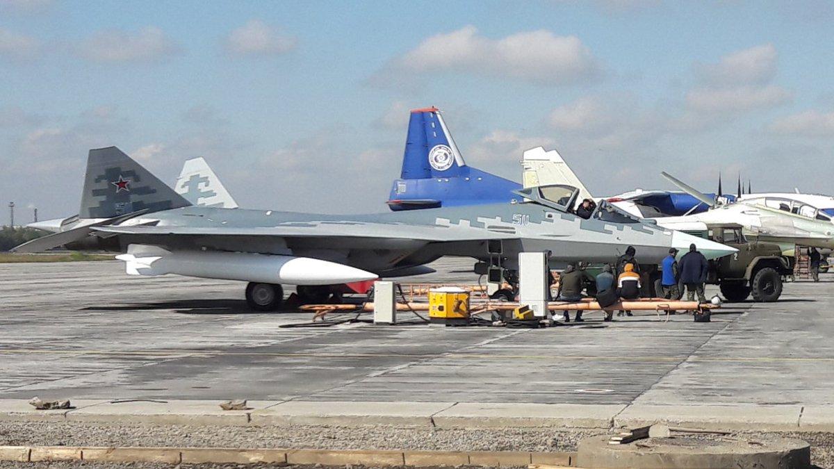 مقاتله Sukhoi T-50 PAK FA سيتغير اسمها الى Su-57  DJjsyJsXcAA_Tiz