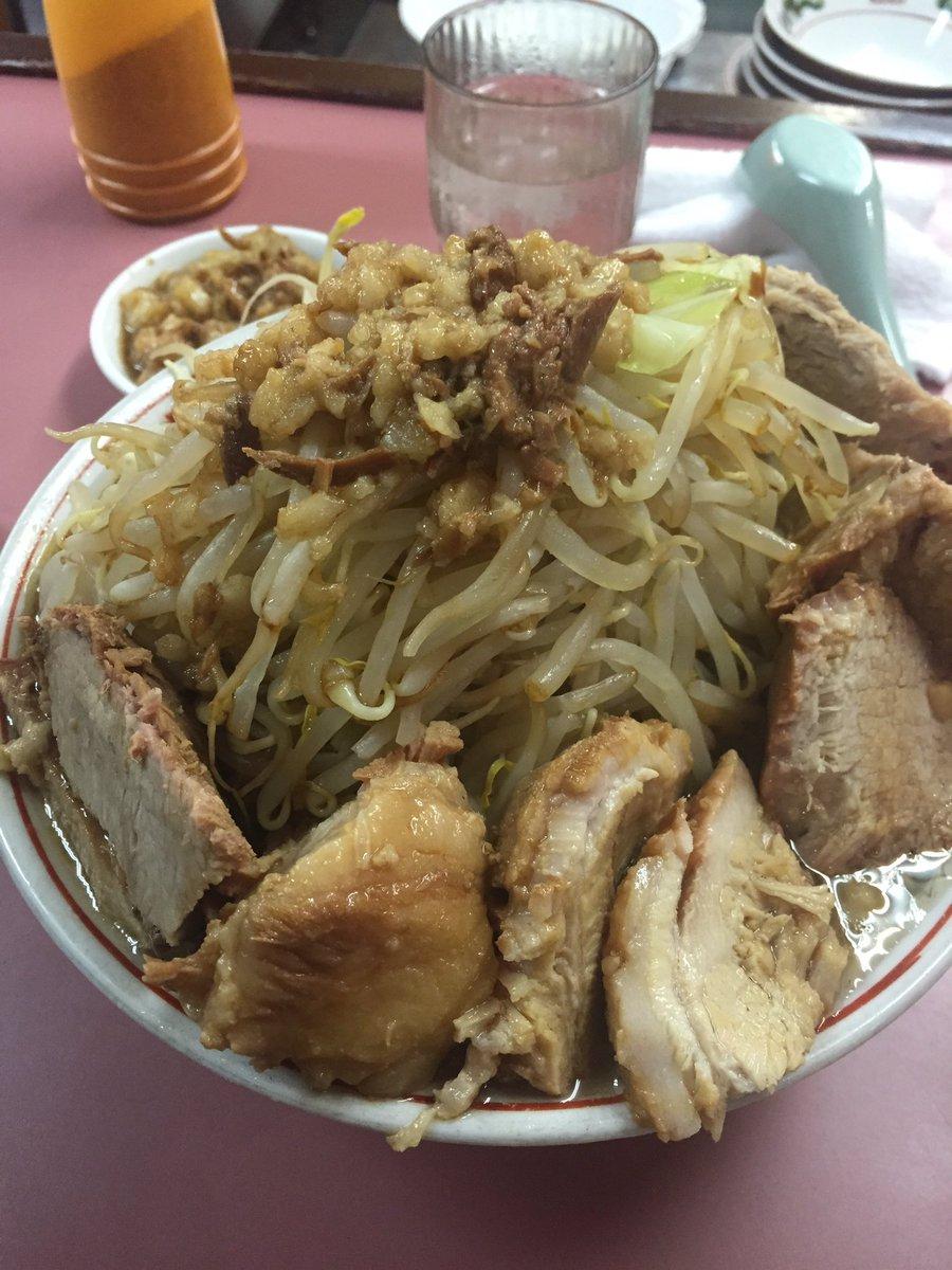 昨日は、久しぶりに天下一品食べに行きました😂 こってりが大好き😎 ラーメンの季節!!!来てますね!  おもしろのラーメンも早く食べに行きたい😁  本日もお待ちしてます😆 #オリックスバファローズ #大阪 #森ノ宮  #大阪城 #大阪城ホール #大阪城ウォーターパーク #大阪城公園