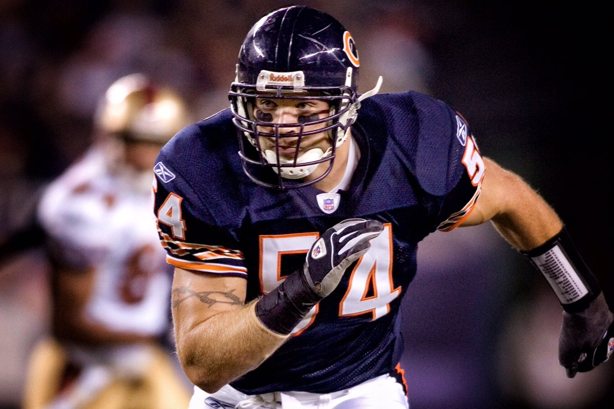 in his first year of eligibility brian urlacher has been nominated for the  2018 pro football 933067fa2