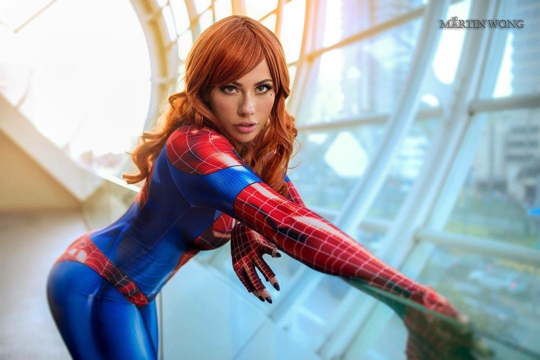Sexy spider girl cosplay